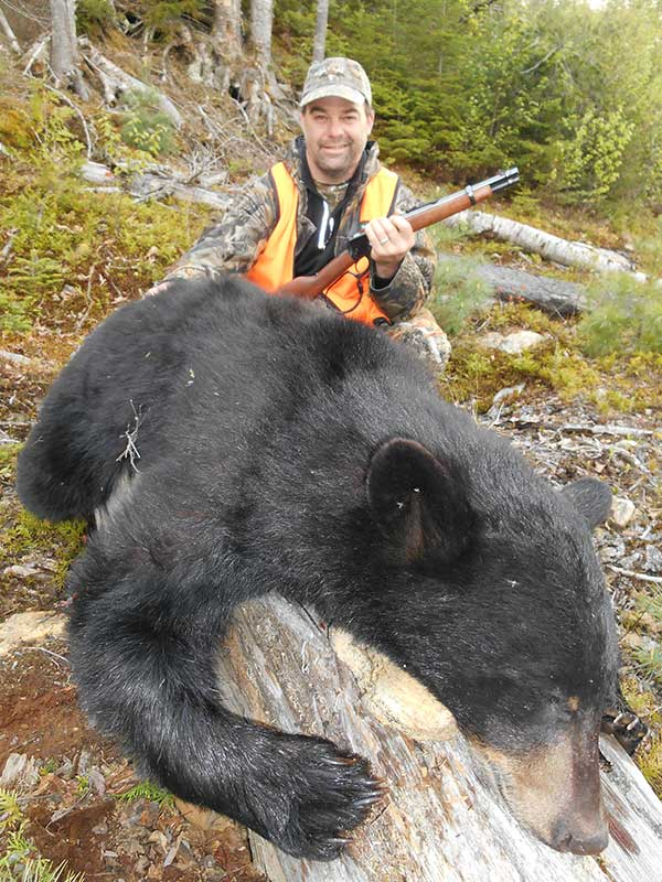 Coin Lavigne Outfitter - Bear hunting
